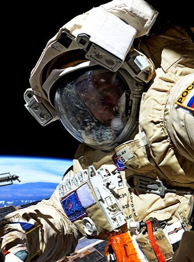 An astronaut's approach to corporate safety policies - фото - 6
